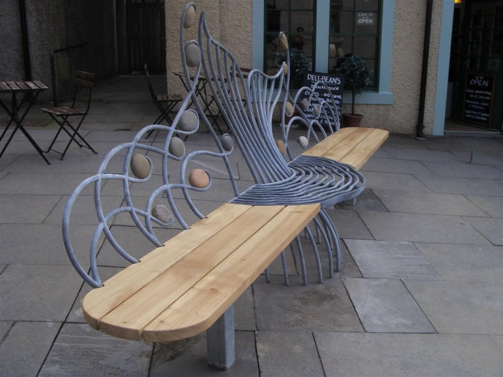Salmon seat