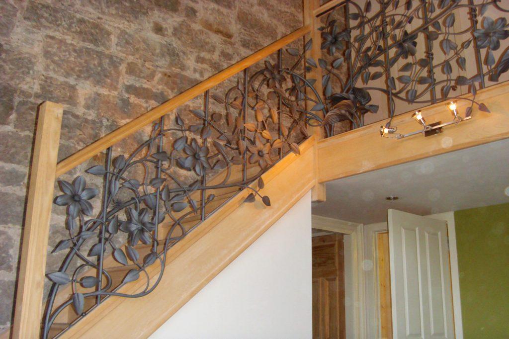 Clematis handrail