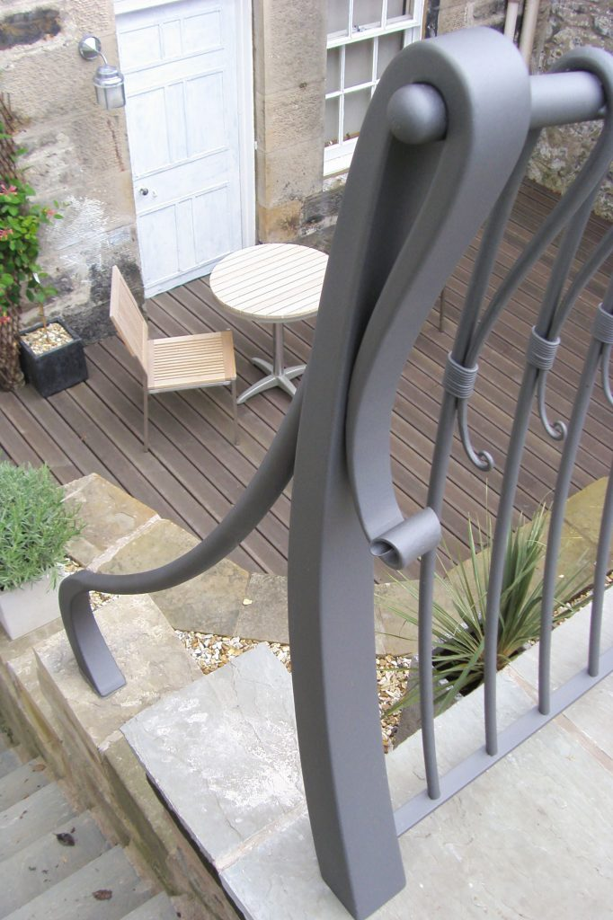 Semple railing detail
